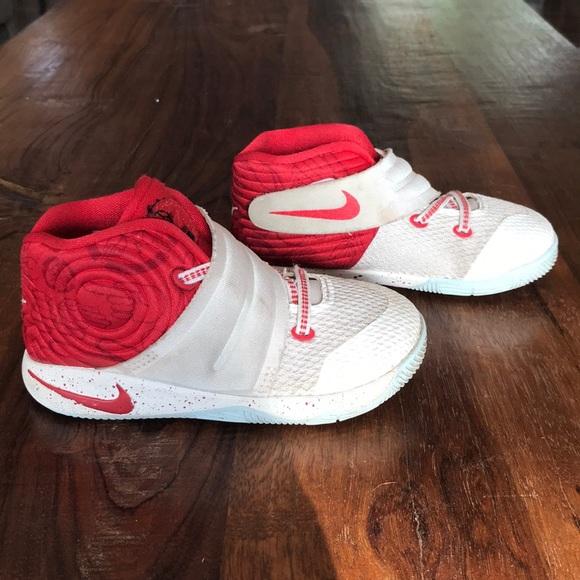 size 40 88d7e ae62b Boys Nike Kyrie 2 Red   White JBY Basketball Shoes.  M 5b88840742aa7608fb1c364d
